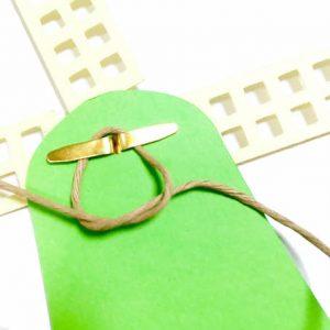 groene molenslinger om zelf te maken, hang de molens aan het papierkoord