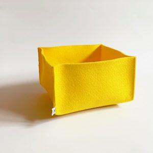 warm gele opbergmand van vilt handgemaakt