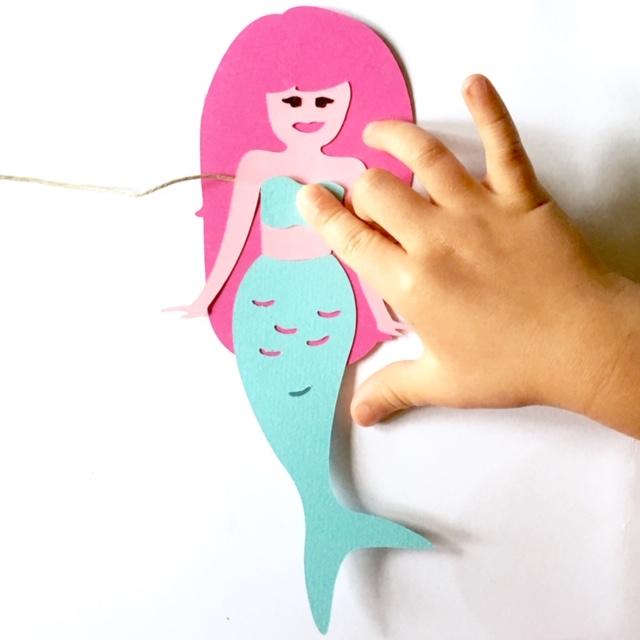 woonslinger van papier met zeemeerminnen om zelf te maken